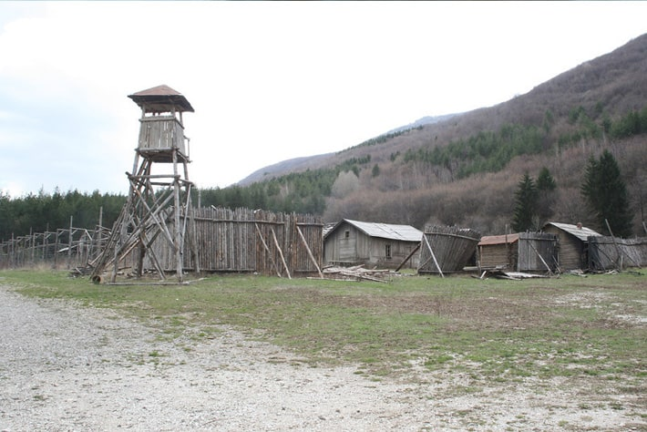 standing-camp3