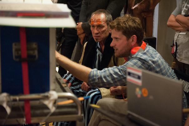 Tommy Lee Jones (left) and Director Dennis Gansel (right) on set